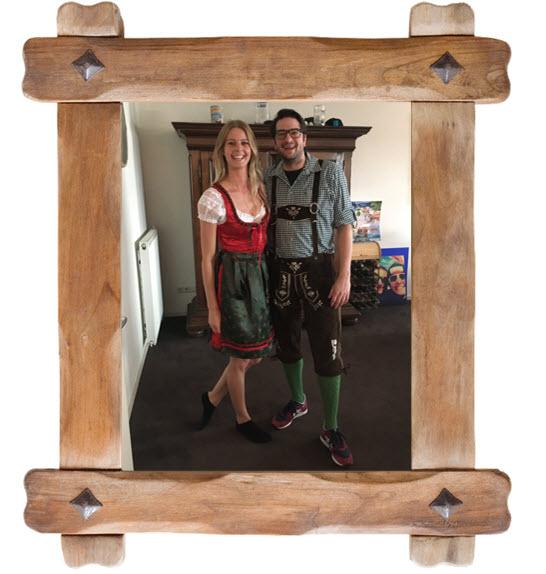 Paul en Janneke Proefhotel Haus Gemuetlichtkeit Oostenrijk lederhosen